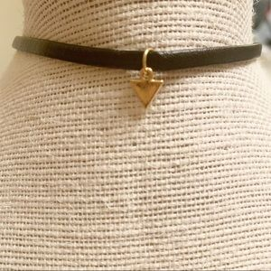 Delicate choker necklace - black with gold pendant
